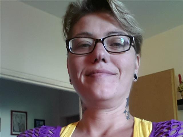 Deutsche Milf für Sex im Freien
